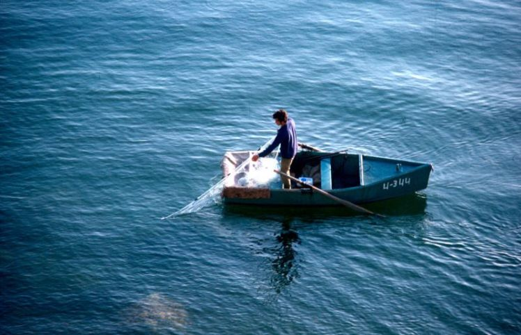 fisherman-on-the-sea-of-galilee