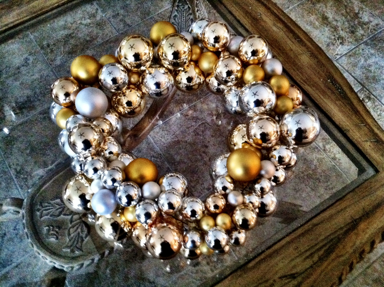 Diy Ornament Wreath Ever Increasing Light